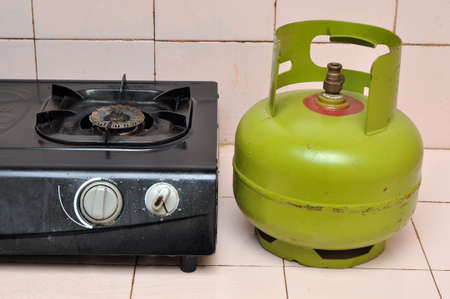 Indoenesia 3 kg gas cylinder and gas stove