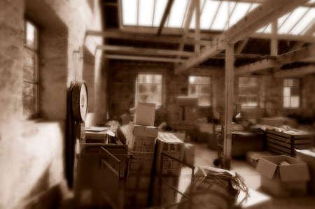 Vecchi macchinari abbandonati nel mulino tessile nello Yorkshire, Inghilterra