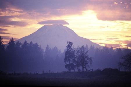 lenticular: Mount Rainier