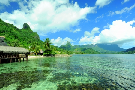 Moorea Tahiti Cook s Bay Pao Pao  photo