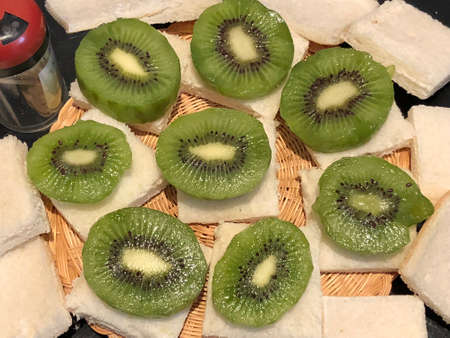 Kiwi fruit sandwiches, photography pictures.
