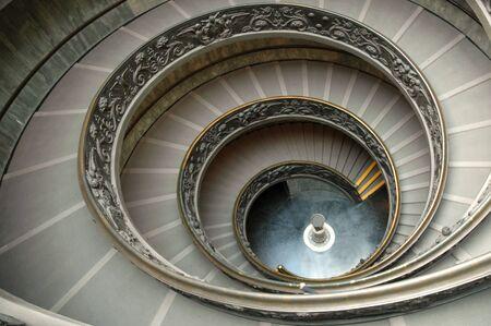 Treppe im Vatikanischen Museum - eine Weitwinkel-Ansicht