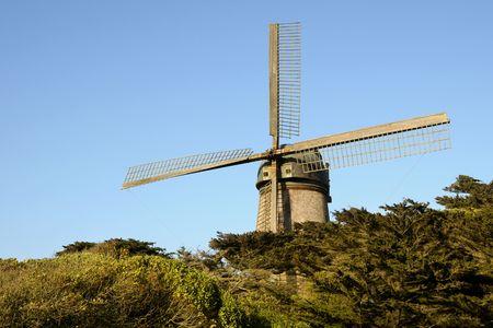 Dutch windmill - Golden Gate Park, San Francisco (USA)
