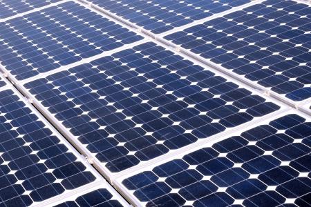 radiacion solar: Las c�lulas fotovoltaicas en un panel solar - vista en perspectiva