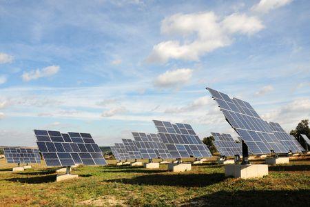 Solar panels - tracking system Stock Photo - 5874031
