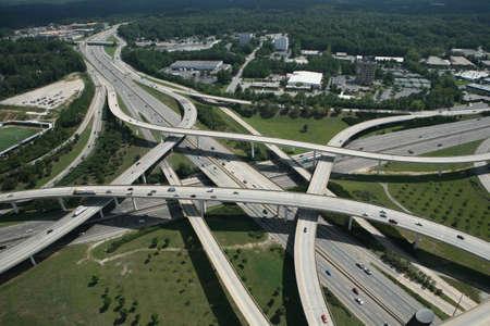 turnpike: Vista a�rea de un intercambio de interestatal de cpmplex en Atlanta, Georgia  Foto de archivo