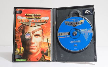 london, england, 0502018 A big box microsoft windows PC video game and computer game command and conquer red alert 2 war simulator Retro vintage cd and dvd computer games. 新聞圖片