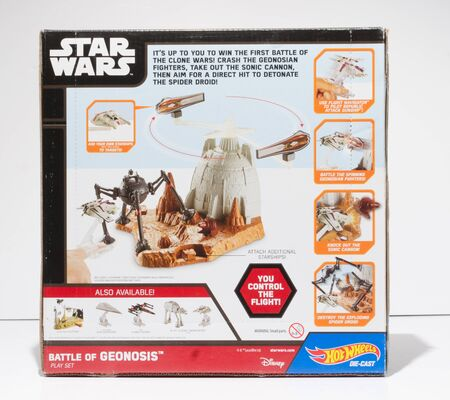 london, england, 05052019 Retro Starwars hot wheels die cast battle of geonosis  Jedi knights, dark side darth vader classic arcade games. space battles rebel alliance and millennium falcon. 新聞圖片