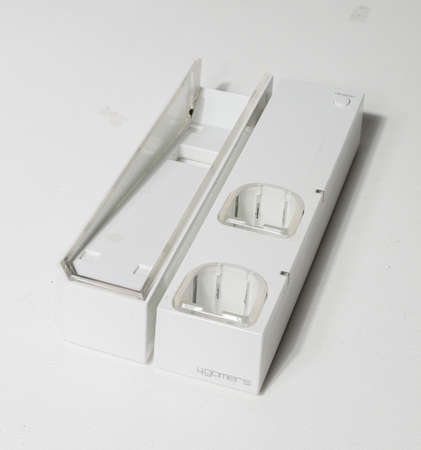 london, england, 05/05/2020 A white nintendo wii dual charging dock and v stand, made by 4gamers. Nintendo wii console accessories for video game consoles. Third party nintendo wii parts. 新聞圖片