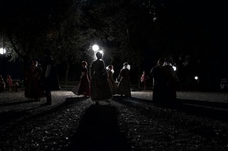 dark: dark dancers