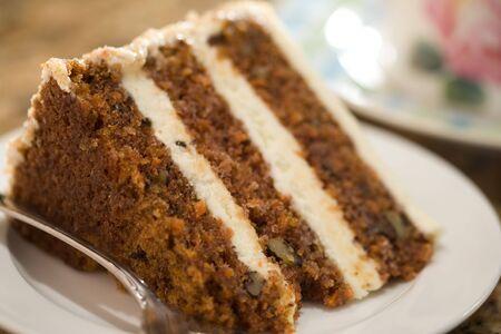 Decadent segment van wortel taart.