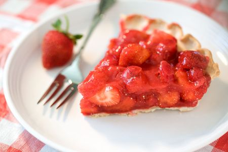 strawberry: Holiday Strawberry Pie. Focus on edge berries and falls off quickly.