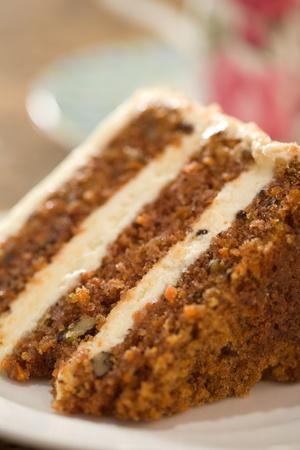 Decadent segment van wortel taart. Stockfoto