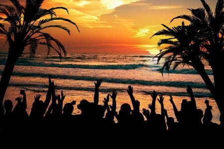 봄 방학과 열대 휴양지 프로젝트에 대한 완벽한 열대 축하와 해변 파티 개념.