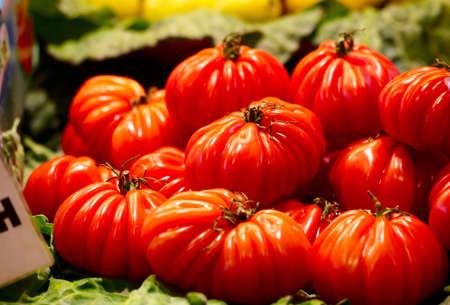 domates: Red tomatoes at the la Boqueria market in Barcelona  Stock Photo