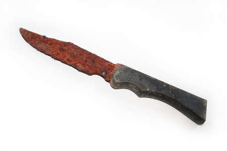 黒いハンドルに大きく錆、固定刃のナイフの分離のイメージ。 写真素材