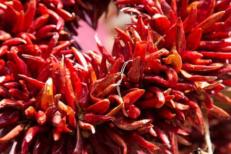 chiles secos: Cierre de Ristras, los arreglos de chile secas ic�nicos que cuelgan por todas partes en Santa Fe, Nuevo M�xico