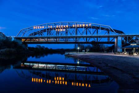 アリゾナ州ユマの海洋に海洋の橋。 1915 年に建てられた橋経由接続するアリゾナ州とカリフォルニア州コロラド川