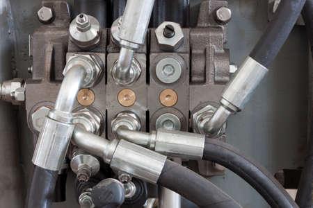 hydraulic hoses: rubber hydraulic hoses on manipulator