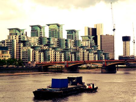 putney: Putney Bridge, River Thames; London UK
