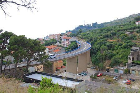 unusual bridge in Croatian Podgora Фото со стока - 133191126