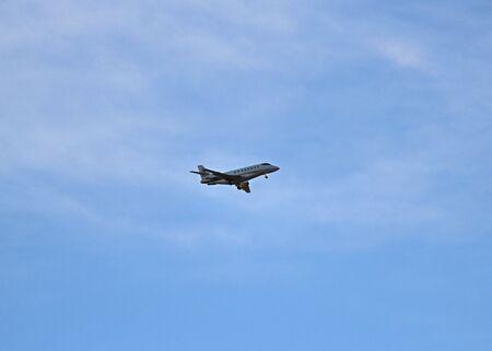 powerful airliner prepares for landing Stok Fotoğraf