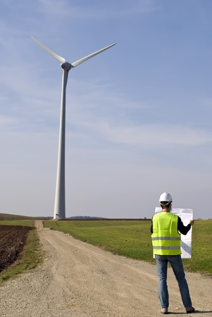windturbine: technician, engineer, architect, foreman, worker, construction, hard, hat, site, high, visibility, jacket, home, project, work, laptop, computer, man, windmill, windturbine, power, electricity, ernergie, plan,