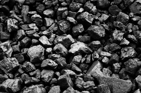 kohle: ein Lager f�r Roh-Kohlen