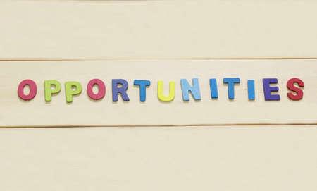 """foda: El colorido de la palabra """"oportunidad"""" en el fondo de madera: Concepto FODA Foto de archivo"""