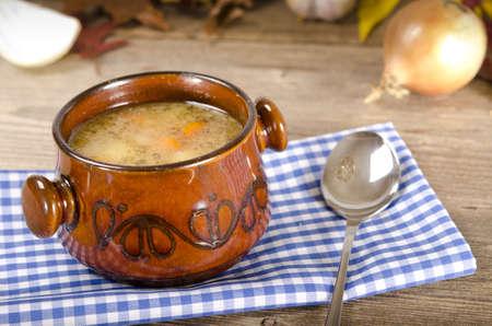 sopa de pollo: Sopa de guisantes (polaco Grochowka)