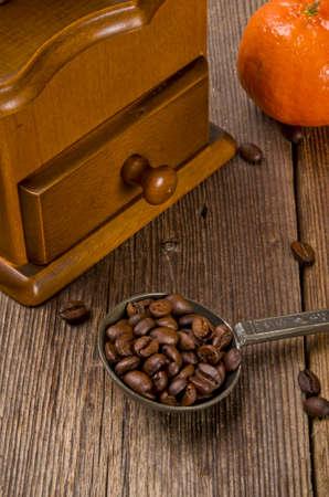młynek do kawy: Rustic młynek do kawy