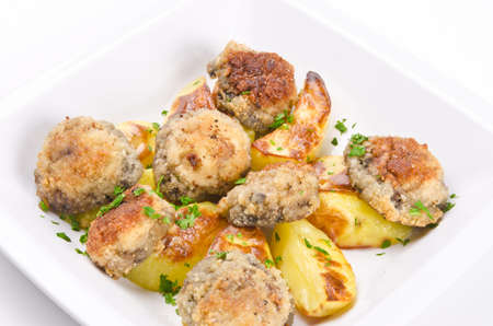 champignon frying pan with potato photo