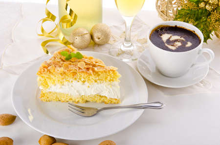 champagne and cake photo