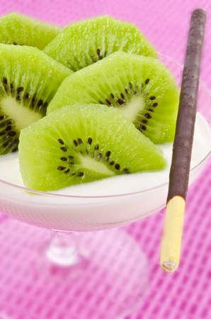 kiwi fruta: kiwi y mikado