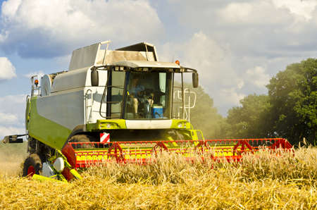 agronomics: Combine harvester