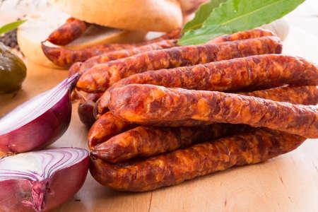 pancetta cubetti: frankfurterki mondo per salsicce sottili noti e amati piccoli