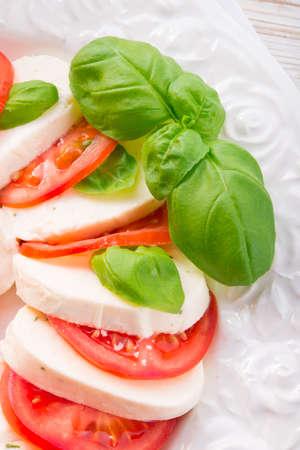 モッツァレラチーズとトマト