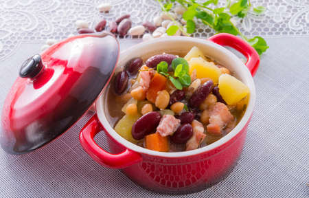 beans soup Stock Photo - 18280326