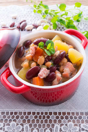 beans soup Stock Photo - 18280324