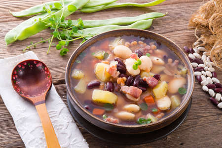 beans soup Stock Photo - 18336880
