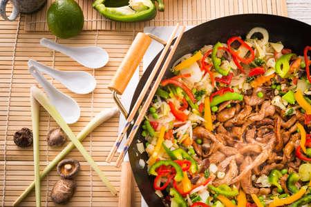 comida gourment: Wok sart�n Foto de archivo