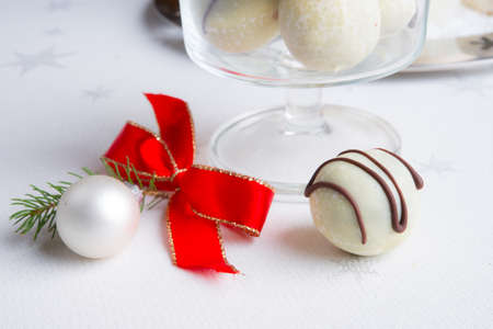 gingerbreads small ball photo