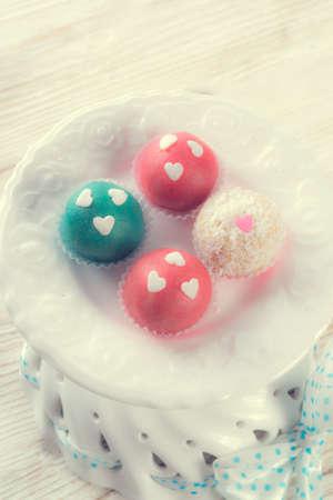 confiserie: marzipan balls