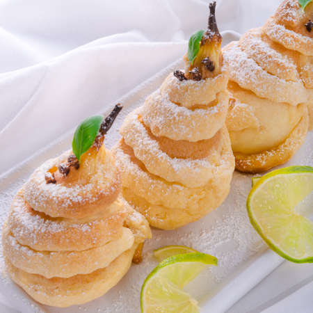 flaky: PEAR in pastry