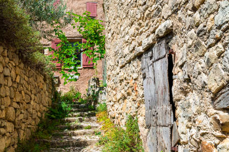 provencal: village in provence