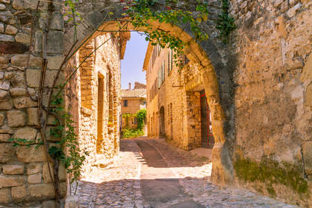 Old town in provence Standard-Bild