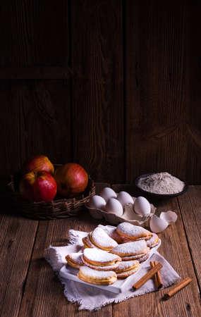 plato del buen comer: moistbiscuits canela manzana con sabor a fruta