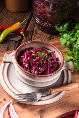 red cabbage: spicy red cabbage Sauerkraut