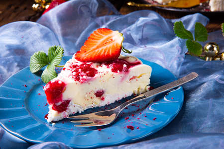 beautiful and tasty cheesecake without baking with strawberries Stok Fotoğraf
