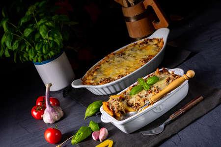 noodle , minced meat casserole with cheese Foto de archivo